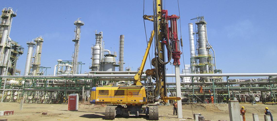 Hincado de Pilotes Prefabricados, Modernización Refinería de Talara, Arequipa.